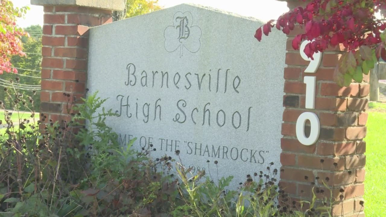 Barnesville_teachers_allowed_to_conceal__0_20181018225523