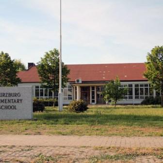 "Die ehemalige ""Wuerzburg Elementary School"" (Grundschule)."