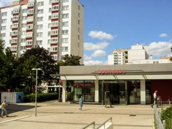 Das neue Sparkassen Gebäude am Marktplatz im Juli 2007.