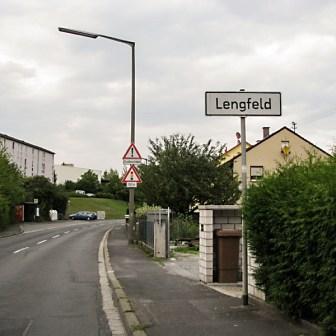 Hier beginnt in der Werner-von-Siemens-Staße der Stadtteil Lengfeld offiziell.