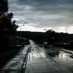 Der Ortseingang am Rottenbaurer Grund kurz nach einem Sommergewitter.