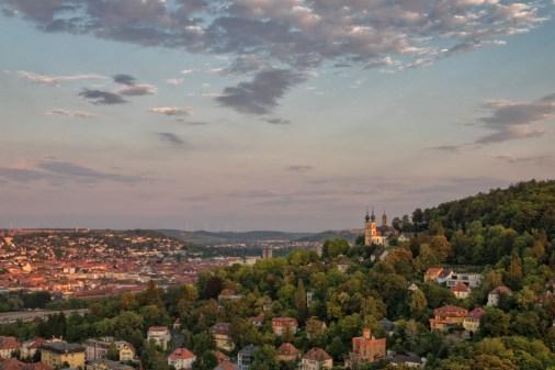 Blick auf Würzburg beim Warten auf die Mondfinsternis