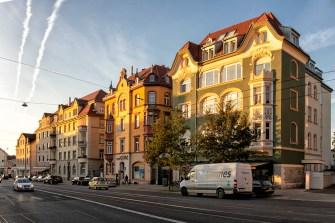 Historische Gebäude aus der Gründerzeit am Anfang der Frankfurter Straße im Stadtteil Zellerau.
