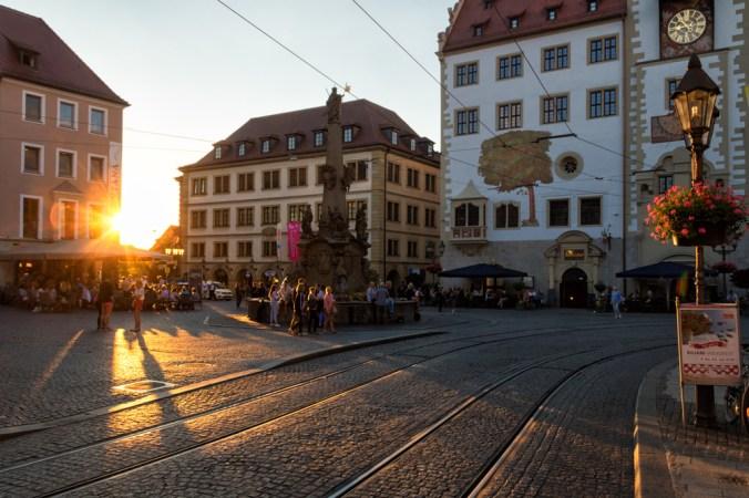 Sonnenuntergang am Vierröhrenbrunnen