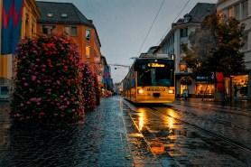 Was für ein Glück: Unsere Straßenbahn fährt bei jedem Wetter! ;-)