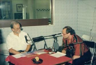Hermann Haupt im Gespräch mit dem bekannten Konzertveranstalter Fritz Rau (links). Rau war unter anderem der Veranstalter, der damals Michael Jackson nach Deutschland und Würzburg brachte.