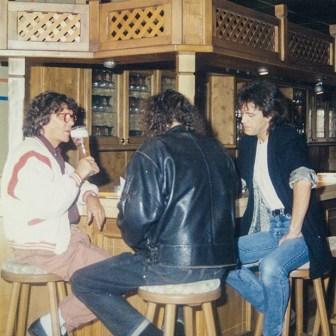 Und nach der Veranstaltung gingen Tommi Piper, Kai Fraas und Sam Raabe auf ein Bierchen in die kleine Kneipe nebenan...