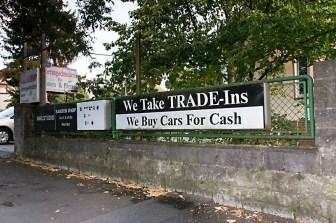 Einige Schilder in der Rottendorfer Straße sind auch heute noch die stummen Zeugen aus vergangenen Tagen. (2012)