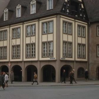 Das Bürgerspital an der Ecke Theaterstraße / Semmelstraße.