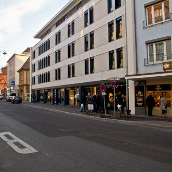 Der gerade frisch fertig gestellte Neubau in der Spiegelstraße 2 im November 2011.