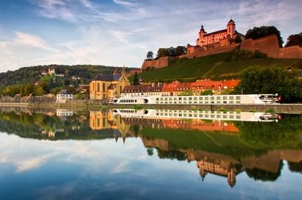 Die Festung Marienberg an einem Sonntag Morgen im September.