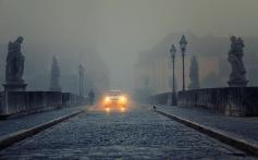 Und auch so kein Sonnenaufgang in Würzburg aussehen - dichtes Nebeltreiben an einem Herbstmorgen.