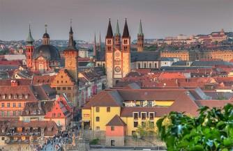 """Einen der schönsten Ausblicke auf Würzburg hat man natürlich von """"oben"""" - also von der """"Festung Marienberg""""."""
