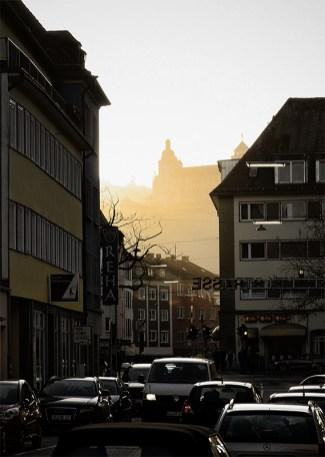 Blick durch die Semmelstraße zur Festung Marienberg.