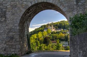Blick vom Weinwanderweg unterhalb der Festung Marienberg hinüber zum Käppele.