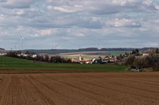 Blick über die Felder in Richtung Güntersleben.