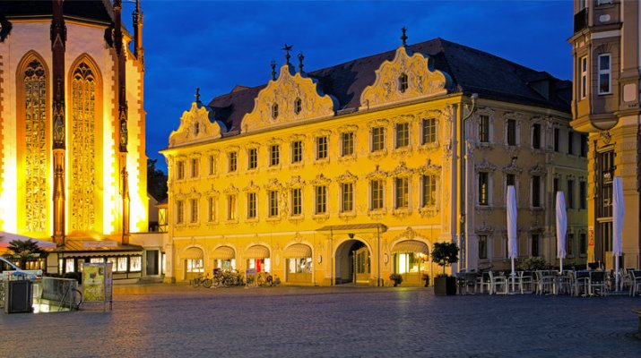 Stadtbücherei Würzburg im Falkenhaus