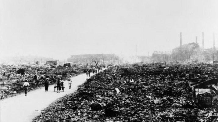 Nagasaki nach dem Abwurf der Atombombe