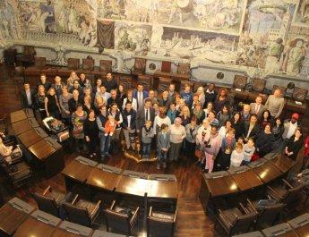 Oberbürgermeister Christian Schuchardt begrüßte 205 neu eingebürgerte Deutsche im Würzburger Rathaus. (Foto: Claudia Penning-Lother)