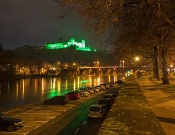 Als Zeichen gegen die Todesstrafe: Festung in grün (Foto: www.wuerzburg-fotos.de)