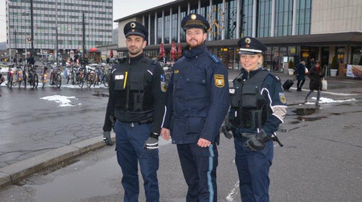 Kontrollaktion am Würzburger Hauptbahnhof - reisende Straftäter im Visier