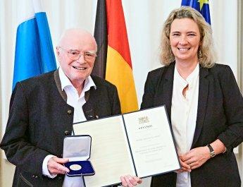 Verleihung der Bayerischen Staatsmedaille für soziale Verdienste
