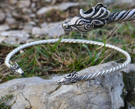 Fianna Celtic Necklace Brass Deer