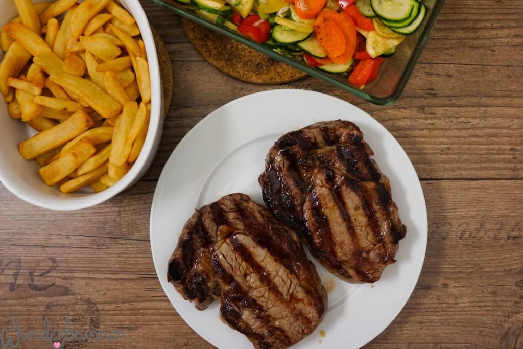Steak, Ofengemüse und Pommes - Wunderbrunnen - Foodblog - Fotografie