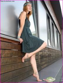 Wu' Feet Links - Janina' Barefoot Stroll