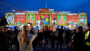 Buckingham-Palace-lights