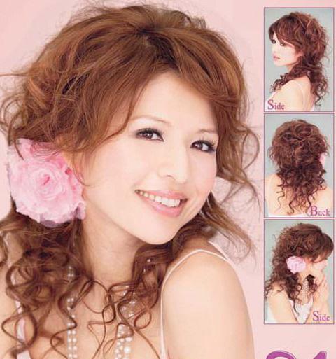 捲髮怎樣紮起來好看_髮型設計_髮型網_2021髮型網