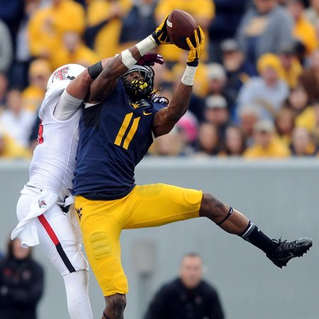 Kevin White had 123 receiving yards against Texas Tech, setting a WVU record with 6 consecutive games with 100 or more receiving yards. (Photo credit: Pam Panchak/Pittsburgh Post-Gazette)