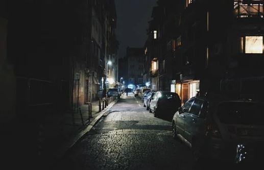 Politie zoekt getuigen en benadeelden van vernielingen auto's aan de Landsheerlaan nacht van 25 op 26 december
