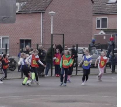 Zwols Cruyff Court toernooi dit jaar op meerdere streetcourts in de stad, 12 februari in Zwolle Zuid: SVI IJsselcentraleweg
