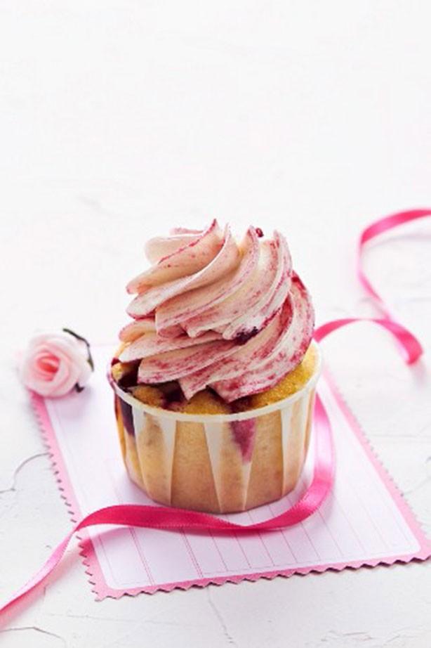 Weight Watchers Valentine's Day raspberry cupcakes recipe