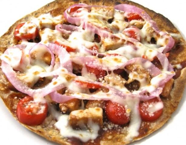 Skinny BBQ Chicken Tortilla Pizza