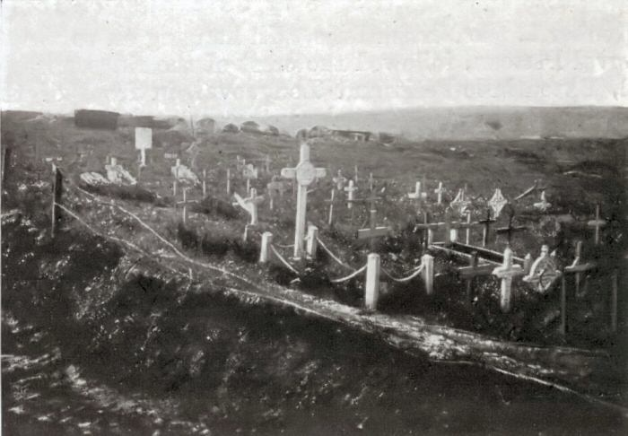 Graves in Trones Wood just after the War. Photo from the Michelin Guide to the Somme Battlefields