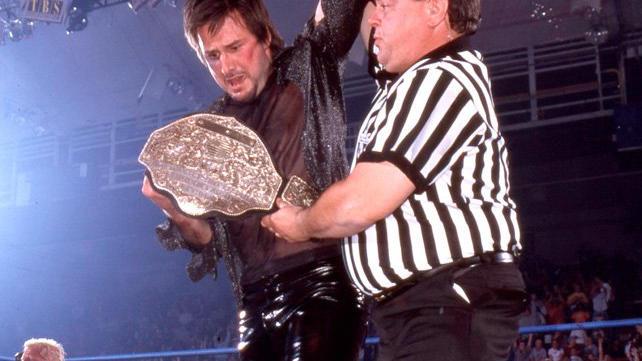David Arquette wins the WCW World Heavyweight Championship