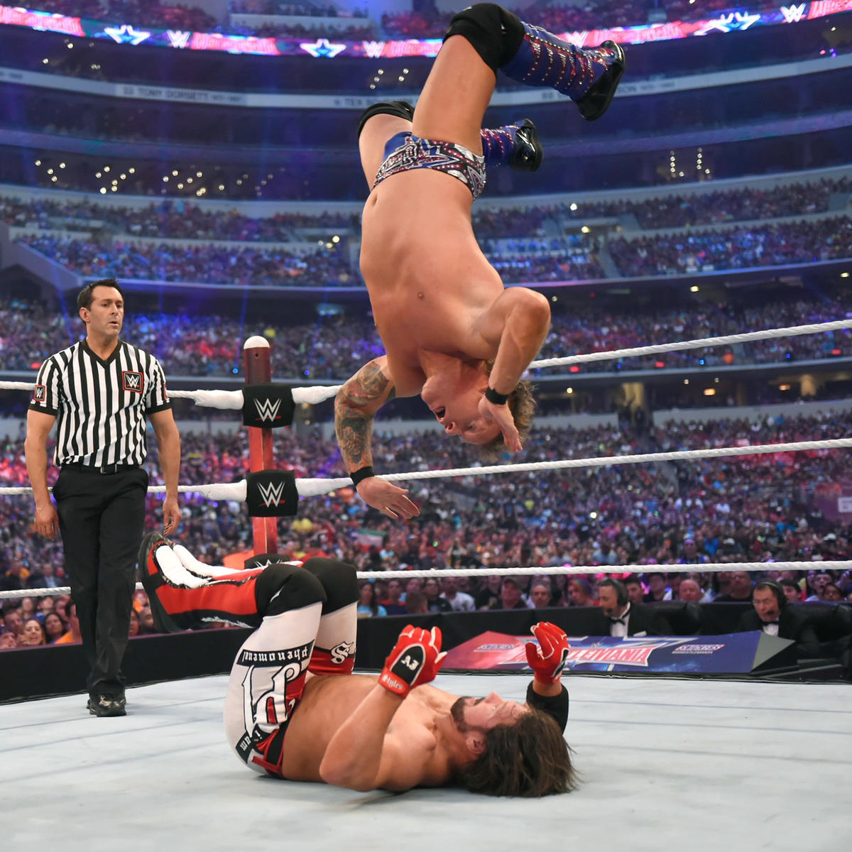 Jericho attempts the Lionsault, but Styles gets his knees up just in time.