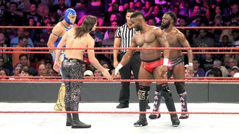 The Cruiserweights kicks off the bout with a sign of respect.