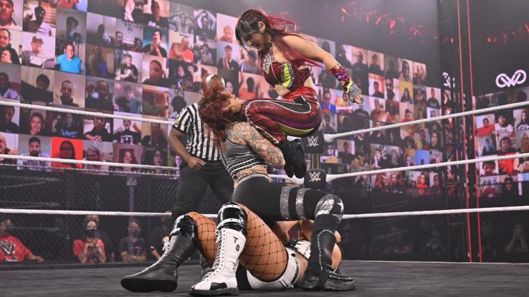 Io Shirai def. Mercedes Martinez and Toni Storm to retain the NXT Women's Championship