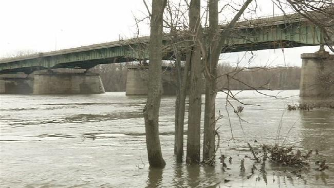 connecticut river rising water_183305