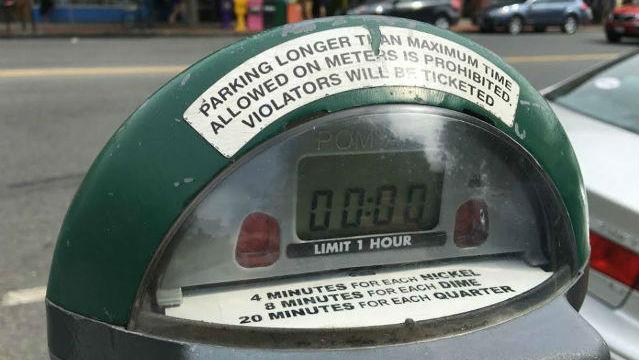 green parking meter_455096