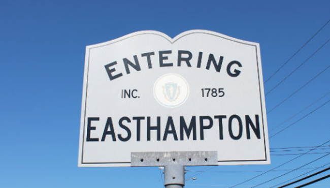 entering-easthampton-sign_512420