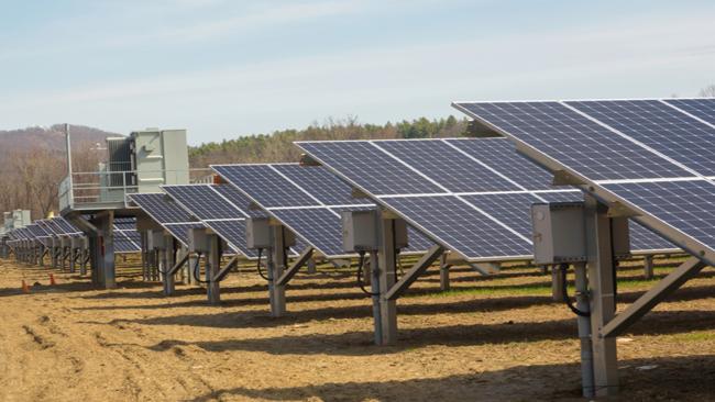mt tom solar farm_713040