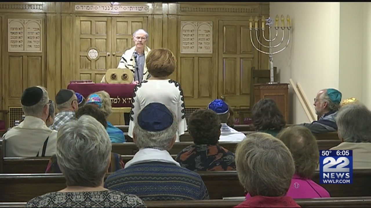 Congregations in western Mass. hold solidarity events in response to Pittsburgh shooting