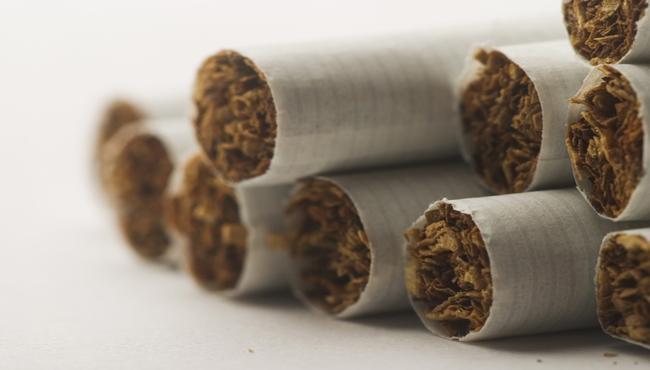 Cigarettes close-up_695151