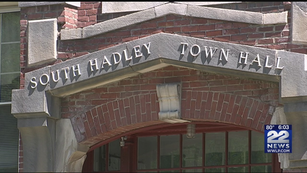 South_Hadley_Town_Hall_flooded_during_Tu_0_20180718223736