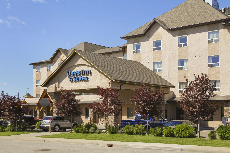 Days Inn Suites By Wyndham West Edmonton Edmonton Ab Hotels