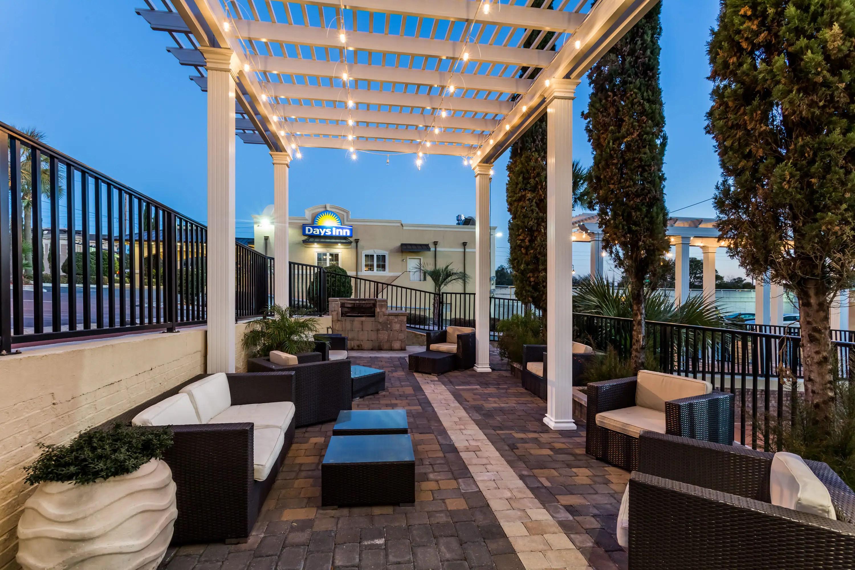 Days Inn Wyndham Pensacola - Historic Downtown